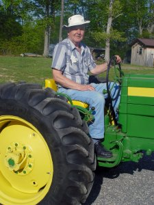 same-al-different-tractor-1489236