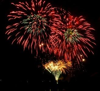 fireworks-68818_1920