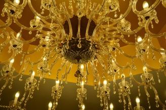 chandelier-1004574_1920