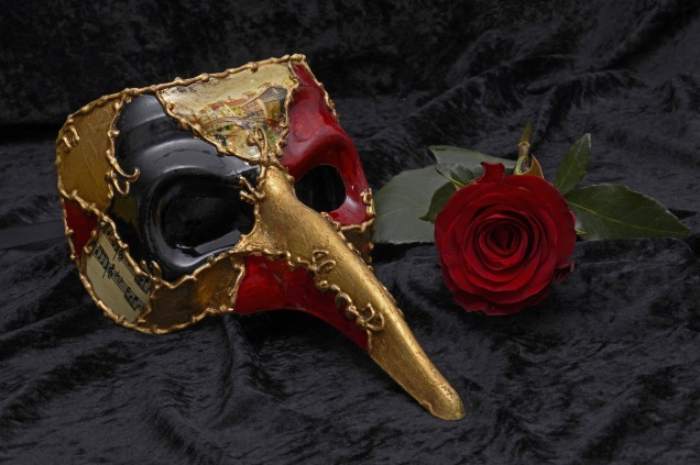 mask-2014556_1920