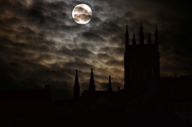 full-moon-2097326_1920