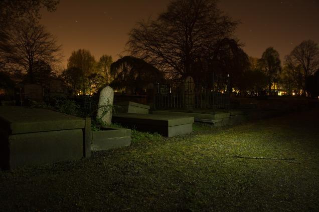graveyard-384604_1920