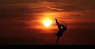 acrobat-3626844_1920